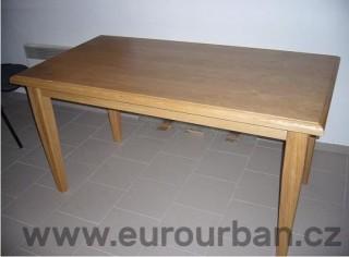 Jednoduchý jídelní stůl