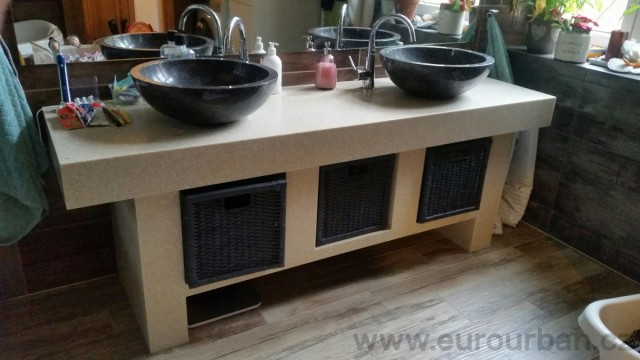 Koupelnový nábytek do bytu v Plzni