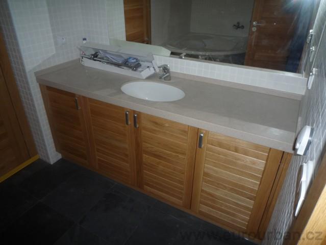 Koupelnová skříňka z Corianu s umyvadlem pod desku