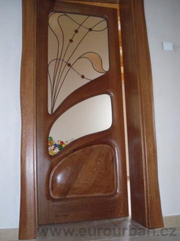 Masivní interiérové dveře do vily na Šumavě