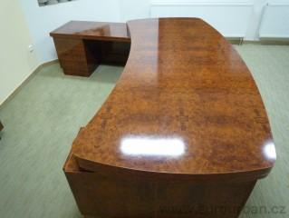 Luxusní masivní pracovní stůl