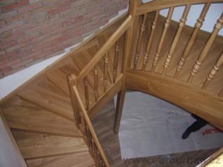 Masivní schodiště do RD
