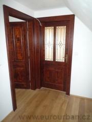 Tmavé interiérové dveře - kořenice