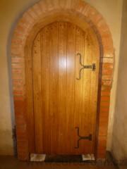 Dveře do sklepů