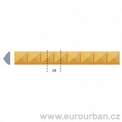 Vyřezávaná lišta s jehlanovým vzorem 1251 tech