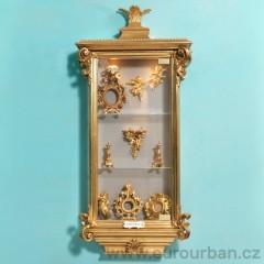 Elegantní zlatá vitrína